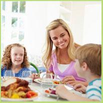 Gezellig tafelen met het hele gezin. Hoe houd je het leuk?