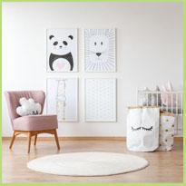 Wat hang je aan de muren in de babykamer?