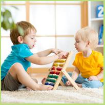 Hoe leert je peuter samen te spelen met andere kinderen?