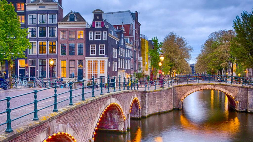 In Amsterdam wonen met kinderen: verhuizen of niet?