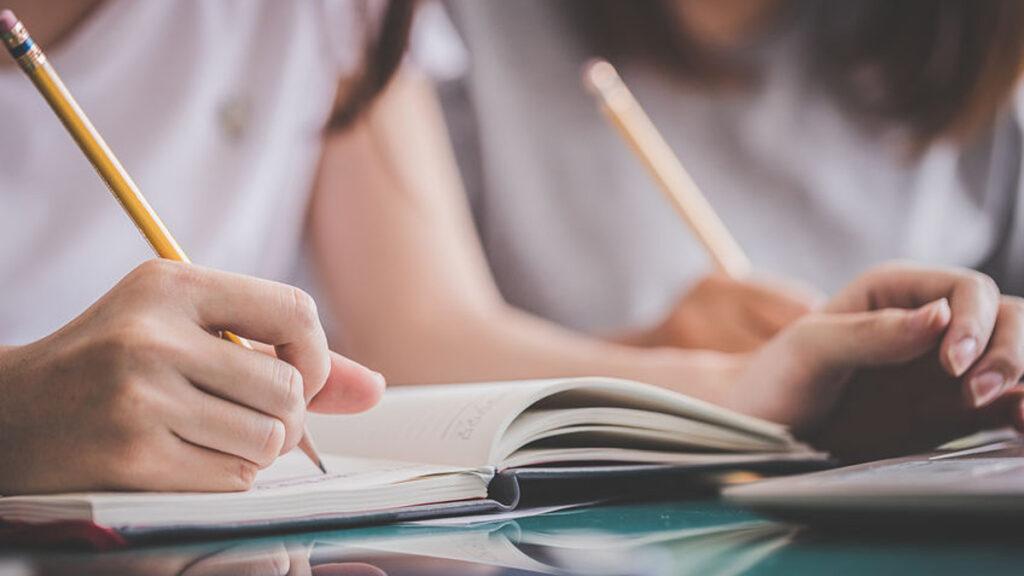 Rare tijden voor examenleerlingen: hoe kan je ze helpen?