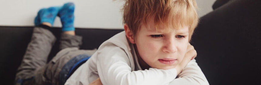 Je kind even alleen laten, vanaf welke leeftijd kan dat?