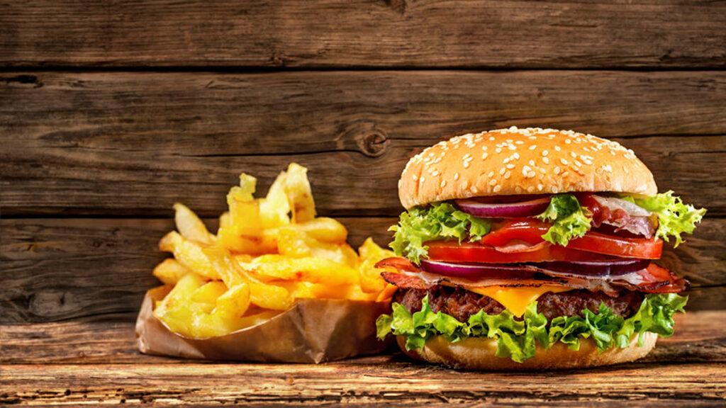 Het eetgedrag van pubers is soms frustrerend. Hoe ga je hier wijs mee om?