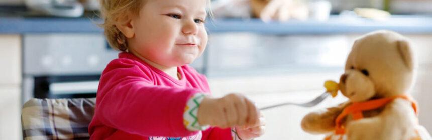 Eten met mes en vork. Vanaf welke leeftijd kan dit?