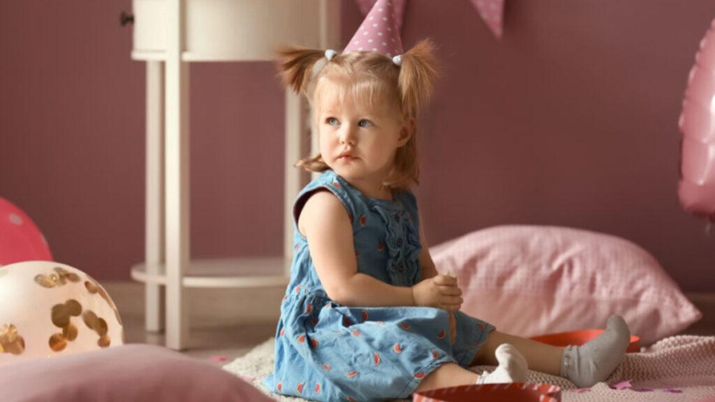 Hoe bereid je je peuter voor op zijn verjaardag?