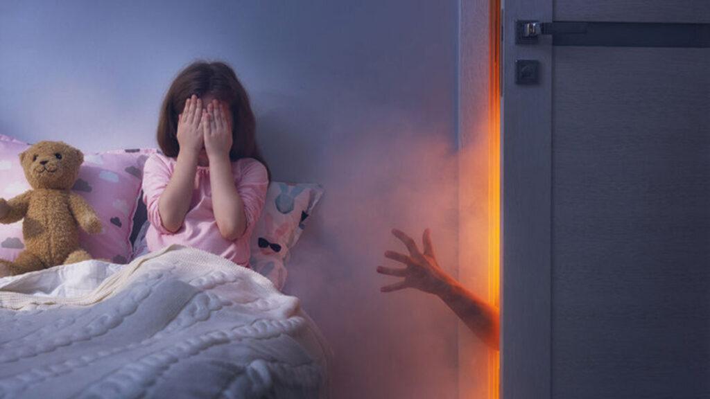 Je kind heeft een nachtmerrie. Hoe laat je zijn angst weer verdwijnen?