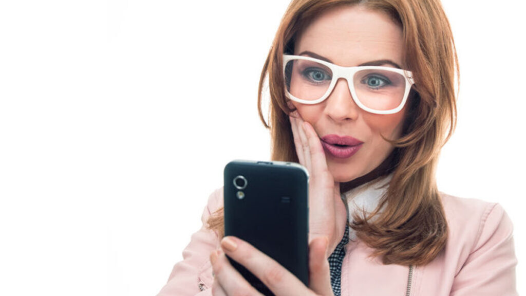 Checken van de smartphone: Wel of niet doen?