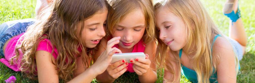 Eerste smartphone. Kind aan de smartphone? Met deze tips gaat het goed!