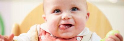 Voedingsschema voor je baby. Wat heeft hij nodig?